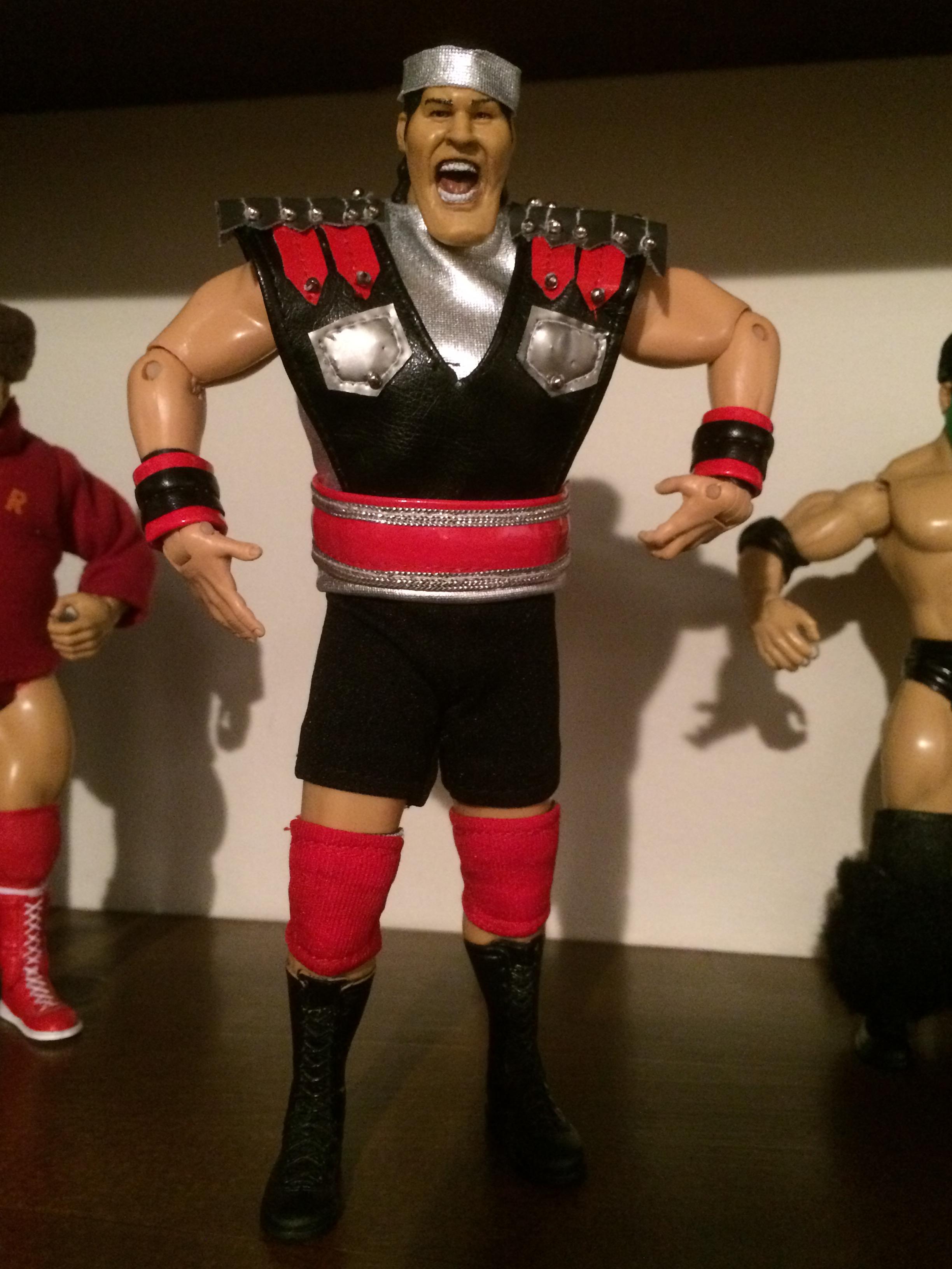 How Much Does Hulk Hogan Weigh